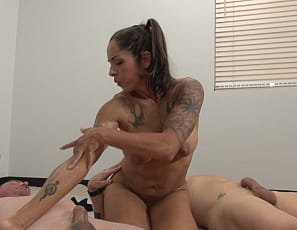 The conclusion of the handjob contest, and we finally get to see who the winner is. Bobbi takes two large cumshots on her bulging biceps and relishes rubbing cum deep into her muscles. She seems to be enjoying herself immensely, giving these two studs some relief.